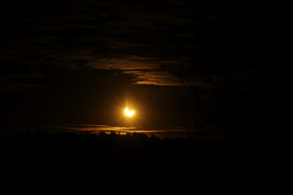 2011-01-04:003 Solar Eclipse by Magnus Norden