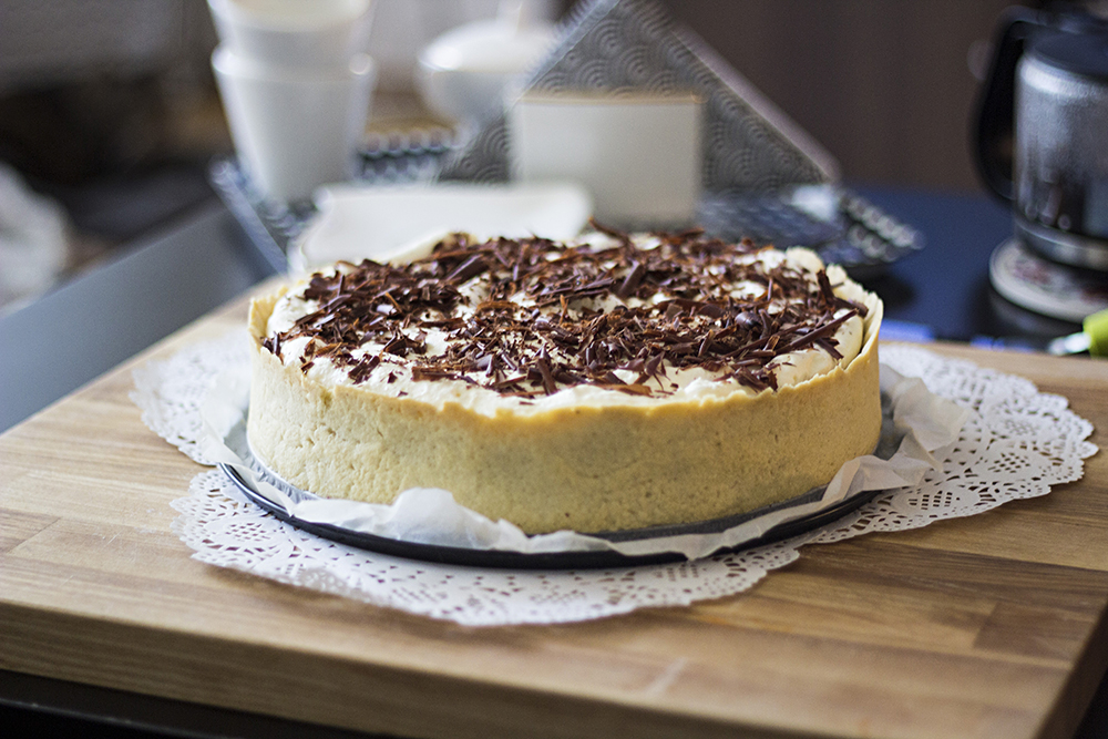 Chocolate filled banofee pie with walnuts