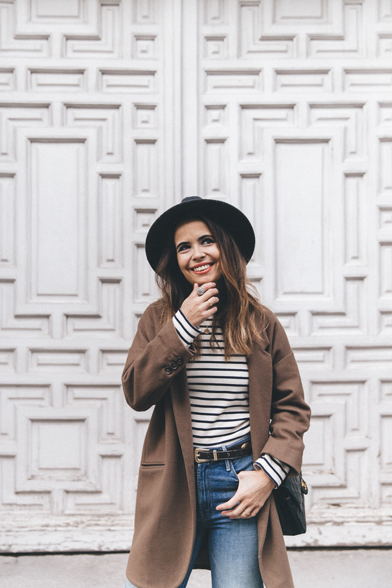 MotherDenim-Cropped_Jeans-Striped_Top-Grey_Hat-Camel_Coat-Black_Booties-Vintage_Belt-Outfit-Street_Style-6