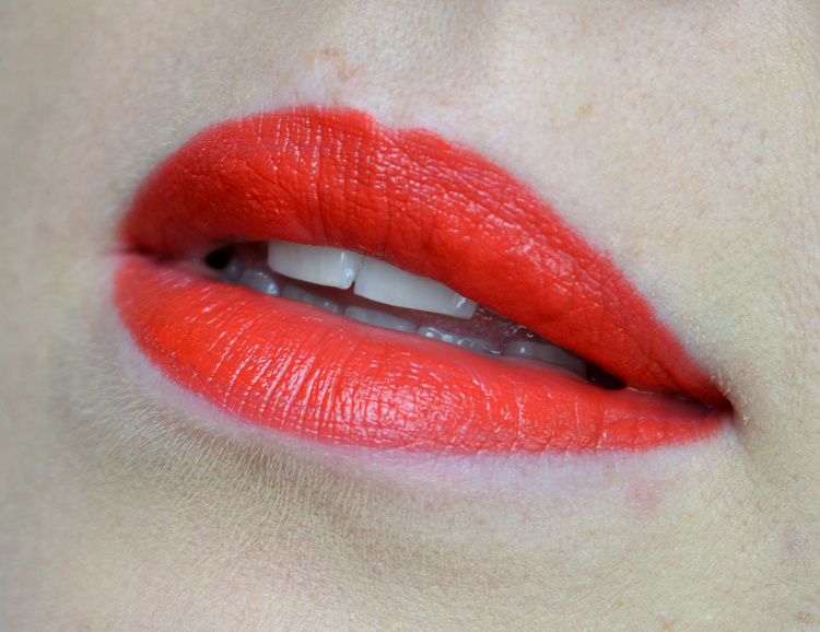 clinique poppy pop lipstick.png