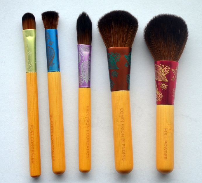 ecotools-fresh-flawless-complexion-set-brushes3.png