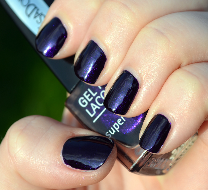 isadora-gel-nail-lacquer-midnight1.png