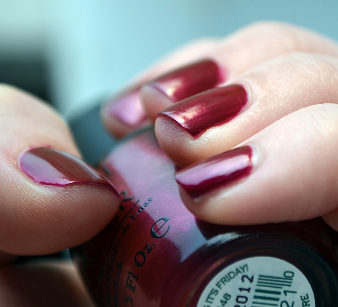 opi nordic thank glogg its friday notd swatch closeup.png