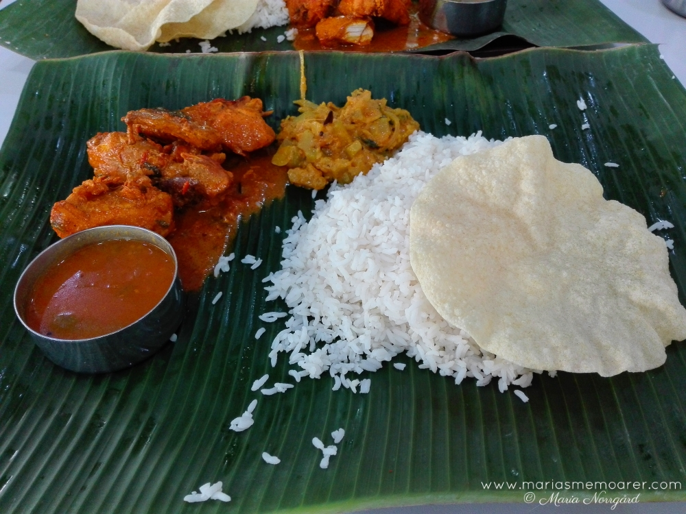 Food in Singapore, muslim-indian cuisine in Little India: chicken with rice / mat i Singapore: muslimsk-indiskt i Little India: kyckling med ris