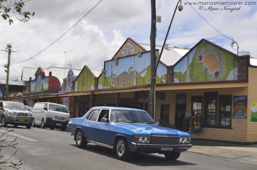 retro cars and aboriginal art in Nimbin, Australia