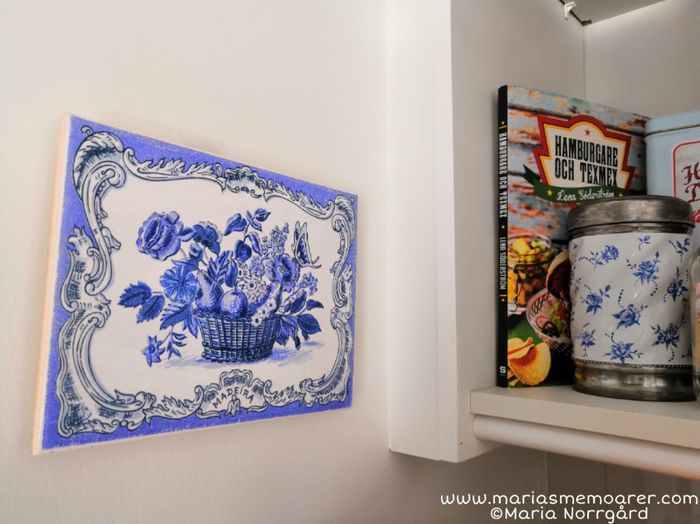 souvenirs for kitchen: tile azulejos Madeira, food cultures recipy book