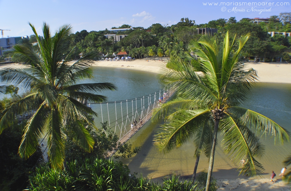 Palawan Island, Sentosa Island, Singapore - view over rope bridge and Palawan Beach / vy över Pawalan Beach och hängbron