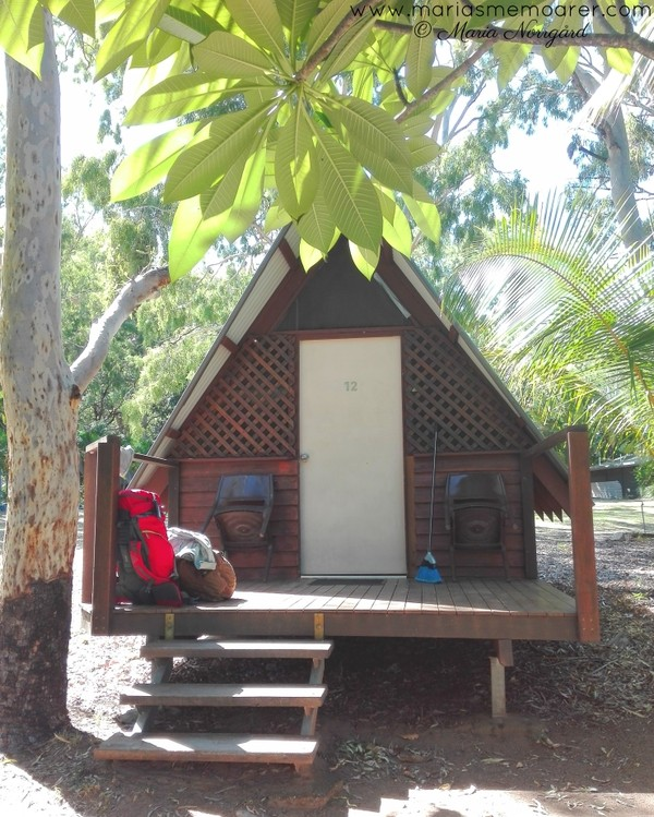 stay in bungalow hostel on Magnetic Island, Australia