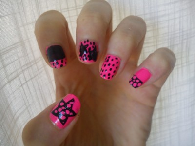 Star and polkadot Nails