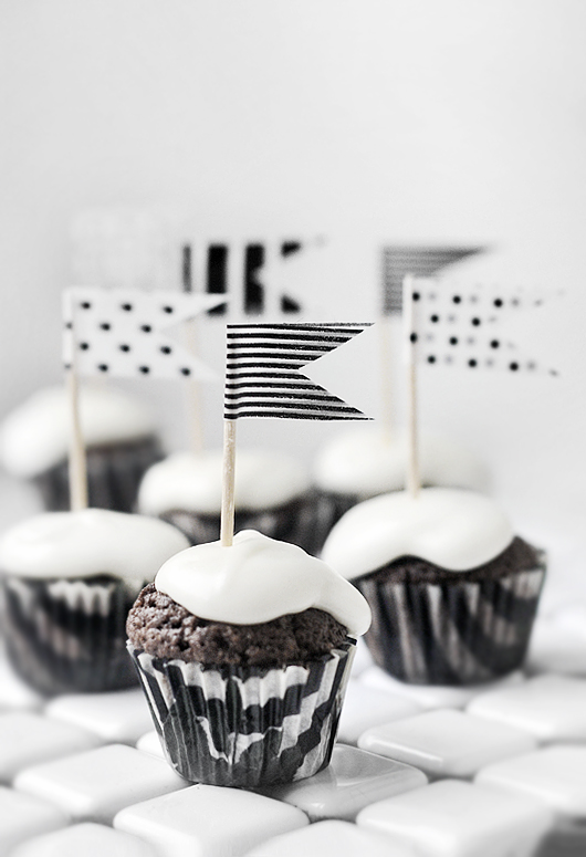 10 Cupcake Toppers That Wow blog image 1