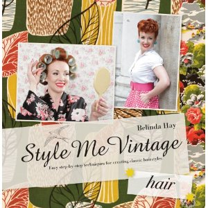 Style Me Vintage  Easy Step-by-step Techniques for Creating Classic Hairstyles  av Belinda Hay   99 kr bokus