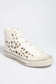 Urban Outfitters £ 104.00