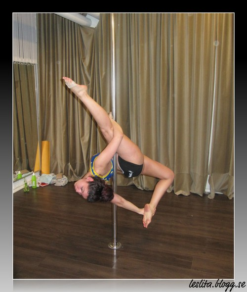 Allegra Pole dance