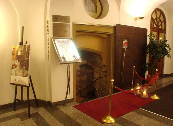 Entrance to restaurant Flambee in Prague