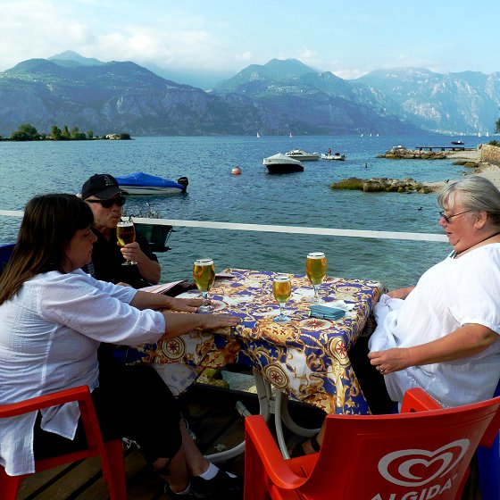 Refreshments at the Garda lake