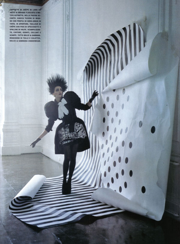 Tim Walker for Vouge It - A play of dots 3