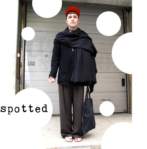 Spotted - The Fashionist, prickiga vida byxor, dotted pants trousers