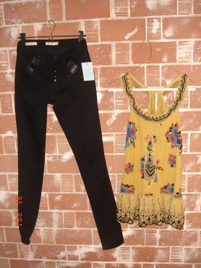 Jeans - Urban Outfitters  Linne - Urban Outfiters