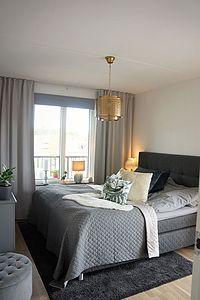 Lägenheten - hall och sovrum